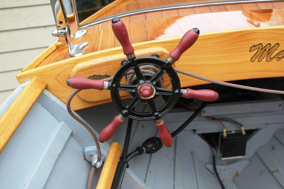 1928 Reinell Wooden Runabout - Lot 619 For Sale by Auction (picture 4 of 6)