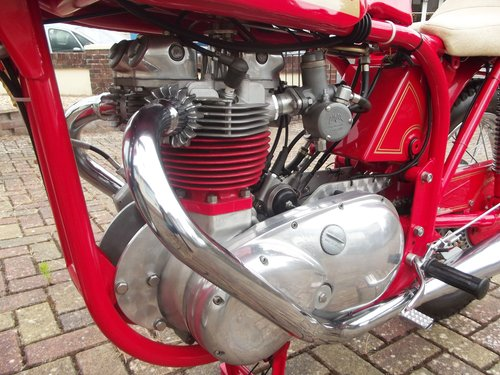 1971 NORTON TRITON 850CC 'THE RED DEVIL'  one test mile only SOLD (picture 4 of 6)
