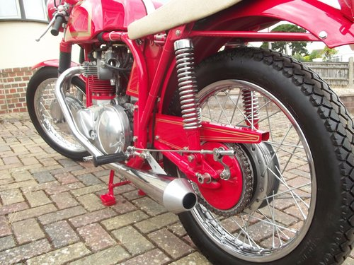 1971 NORTON TRITON 850CC 'THE RED DEVIL'  one test mile only SOLD (picture 5 of 6)