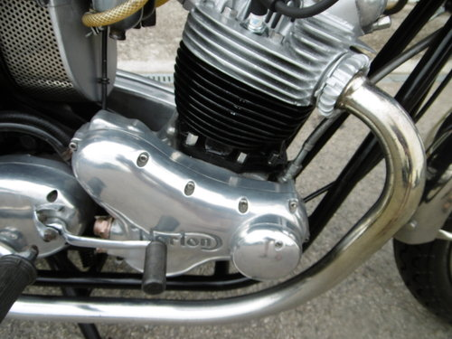 1973 Norton Commando 750 Restored Full matching numbers . SOLD (picture 2 of 6)