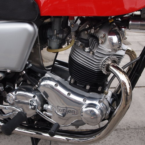 1971 750 Commando Fastback, RESEVED FOR KARL. SOLD (picture 4 of 6)