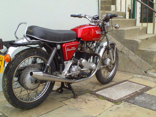 1974 NORTON COMMANDO MK2A ROADSTER SOLD (picture 2 of 6)