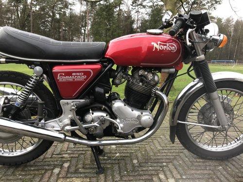 Norton Commando MK3 1975 850cc electric start  For Sale (picture 4 of 6)
