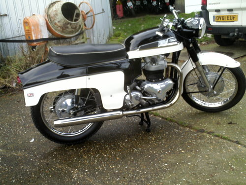 1960 NORTON 88 deluxe 500cc For Sale (picture 2 of 6)