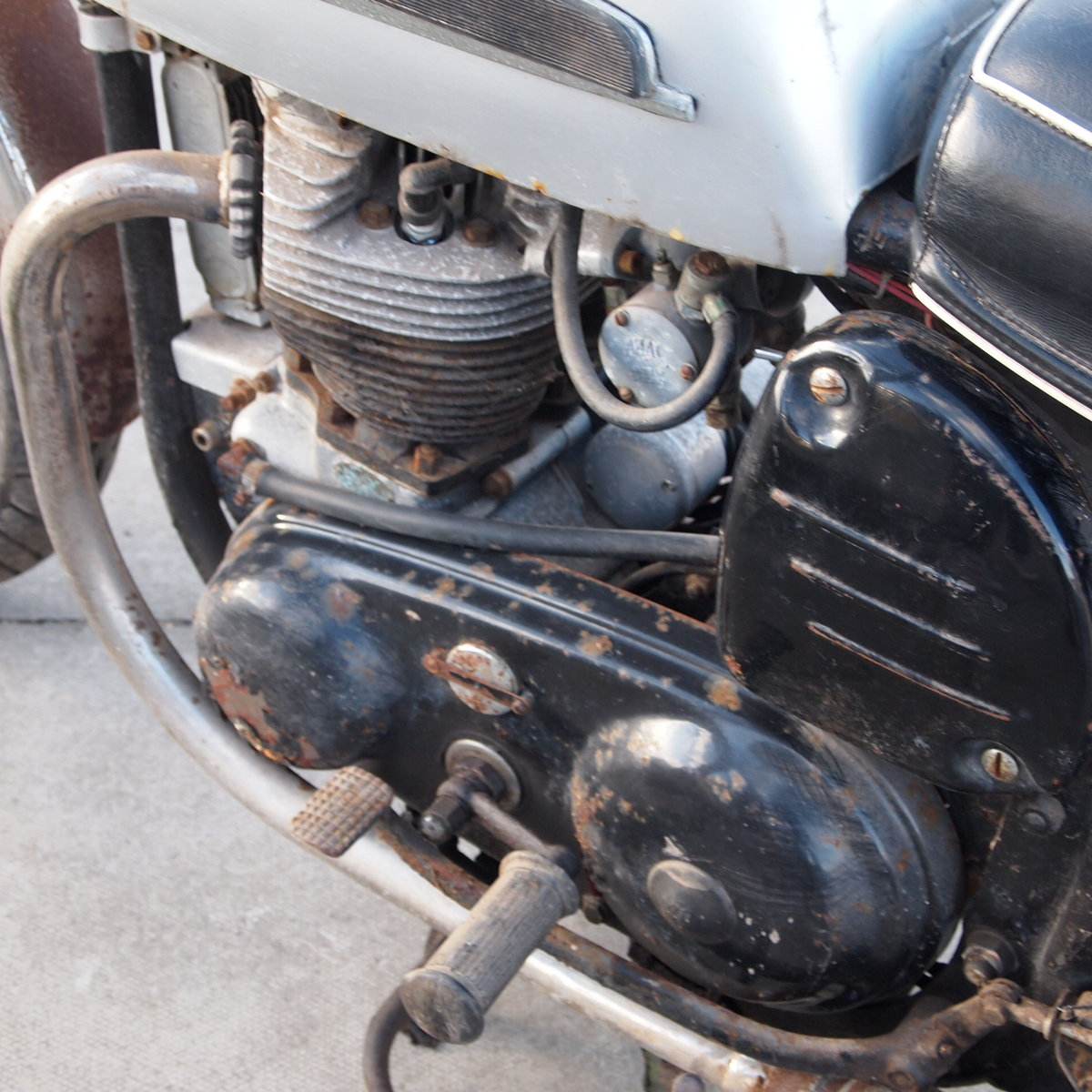 1965 Norton Atlas 750cc Project / Last Used In 2010. SOLD (picture 2 of 6)