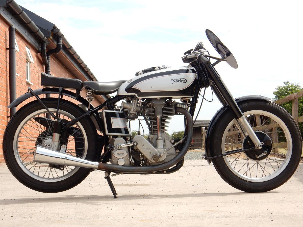 NORTON INTERNATIONAL CLUBMAN 500 1952 RACED AT MANX TT IN 19 For Sale (picture 1 of 2)