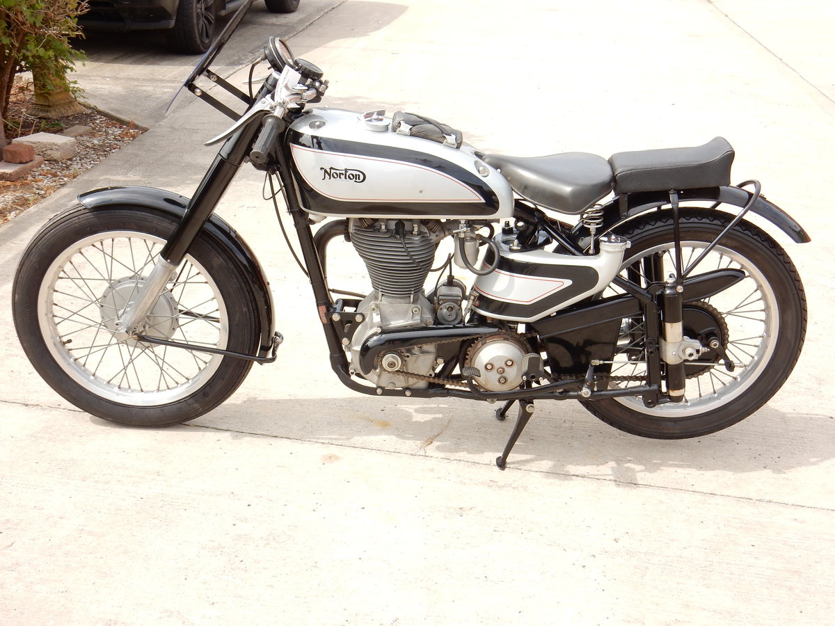 NORTON INTERNATIONAL CLUBMAN 500 1952 RACED AT MANX TT IN 19 For Sale (picture 2 of 2)