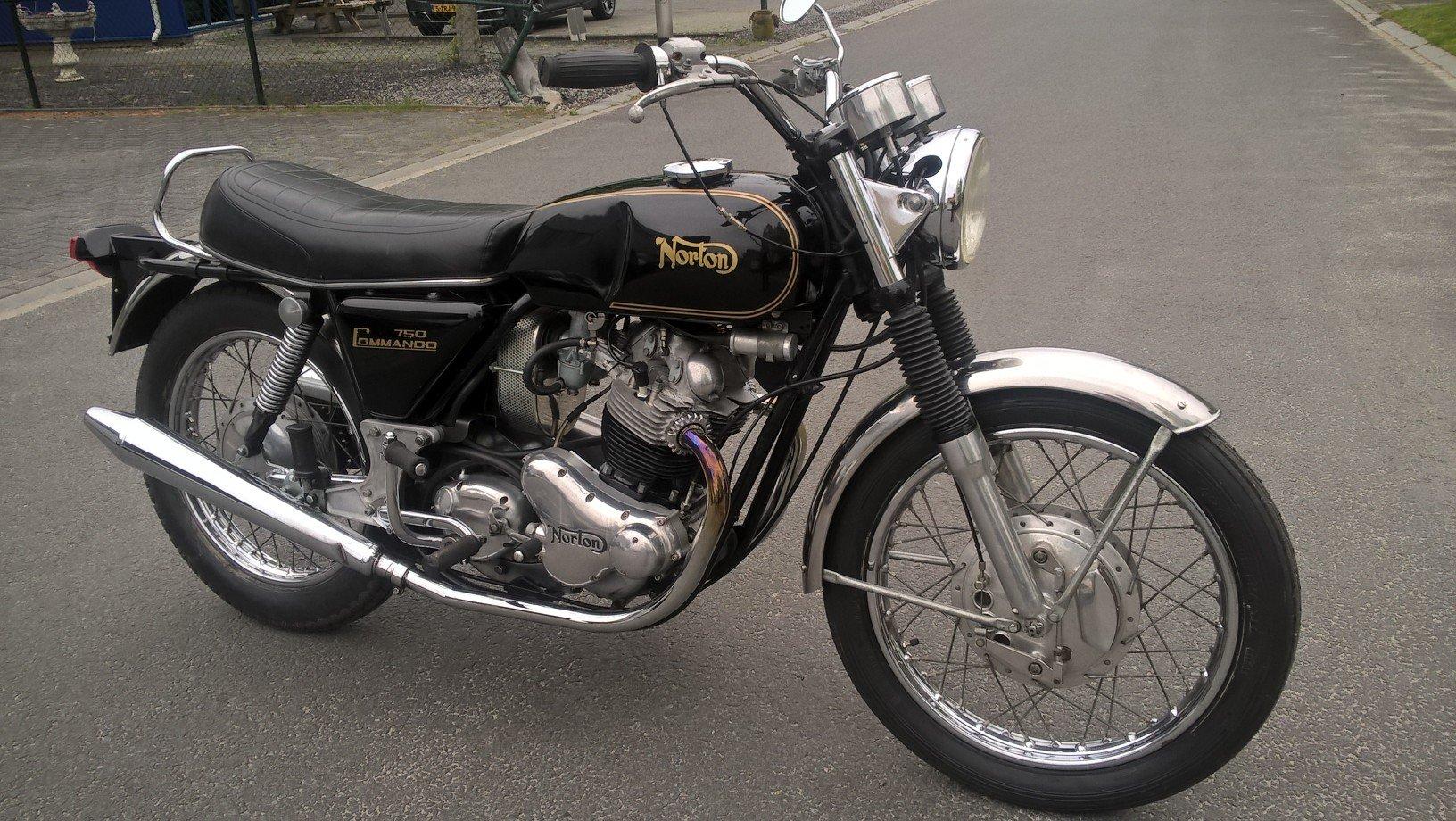 Norton commando 1971 For Sale (picture 1 of 6)