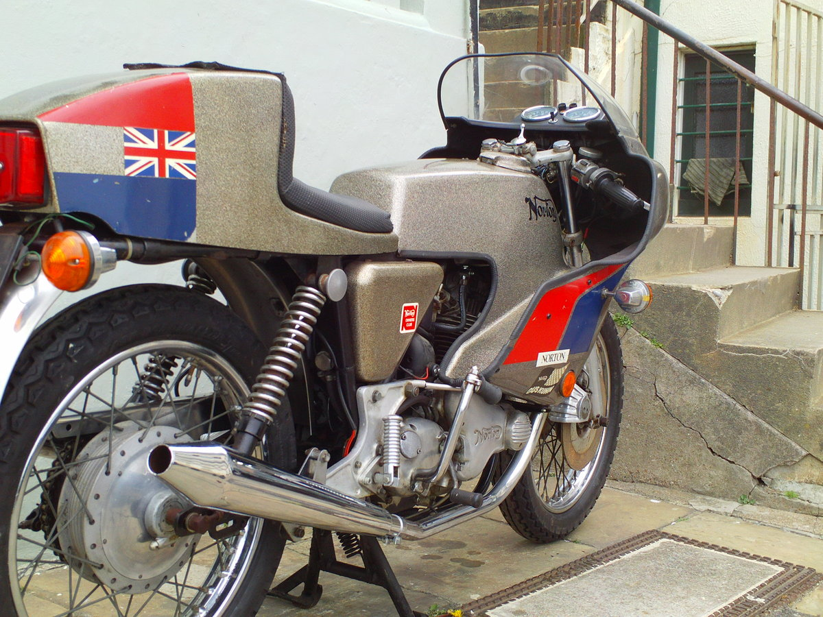 1974 NORTON COMMANDO MK2A JPN For Sale (picture 2 of 6)