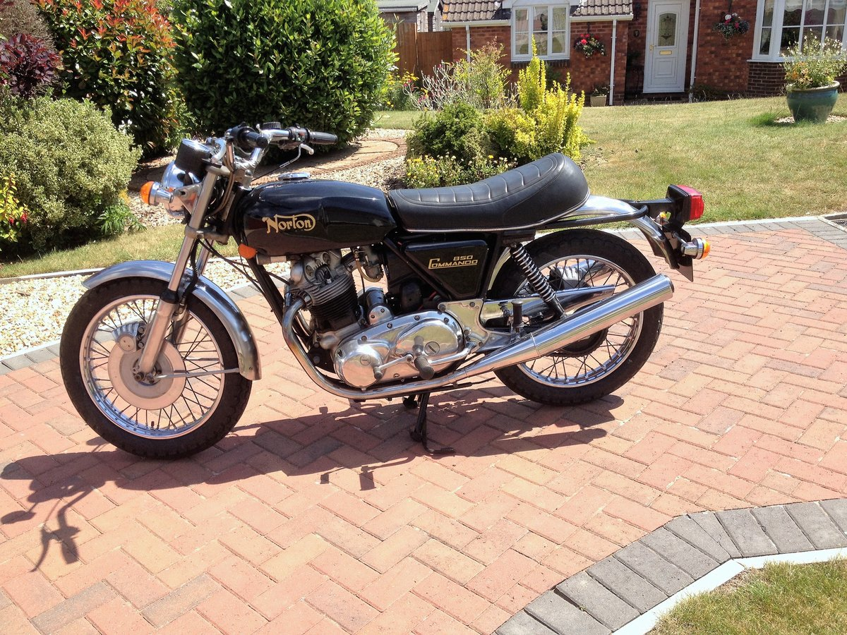 1976 Norton Commando Mk3 SOLD (picture 1 of 6)