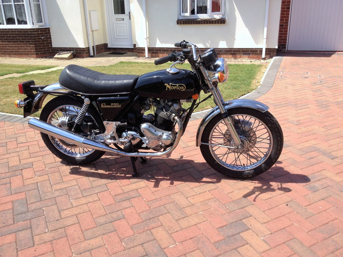 1976 Norton Commando Mk3 SOLD (picture 2 of 6)