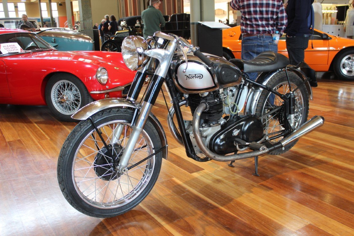 1949/50 NORTON ES2 490cc MOTORCYCLE For Sale by Auction (picture 2 of 4)