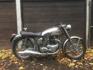 1954 Norton Dominator De Luxe 88. Matching numbers