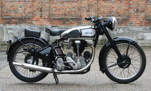 Norton International M30 500cc OHC 1948