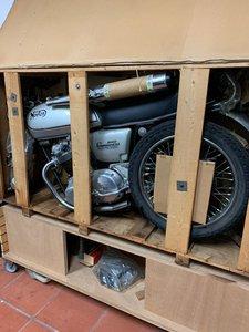 1975 Norton Commando 850 Interstate in crate