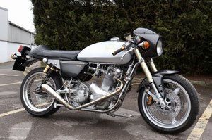 828cc 1975 Norton Commando Cafe Racer !