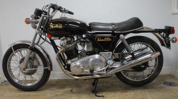 1973 Norton Commando 850cc MK2A For Sale (picture 2 of 6)