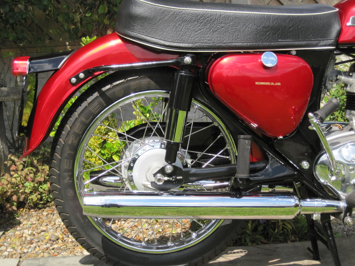 Norton Jubilee 250,1965,Absolutely Stunning SOLD (picture 3 of 6)