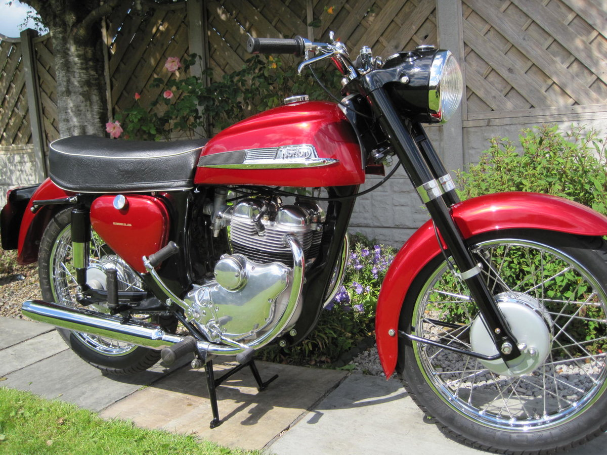 Norton Jubilee 250,1965,Absolutely Stunning SOLD (picture 1 of 6)