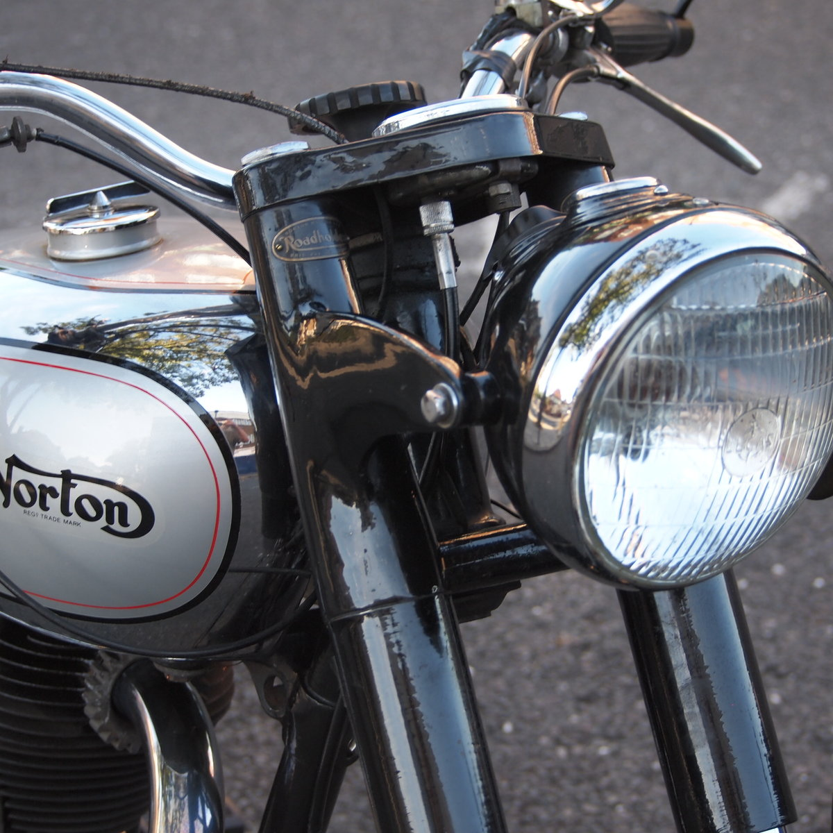 1951 Norton ES2 500 With Buff Logbook + Lots Of Bills Receipts.  SOLD (picture 2 of 6)