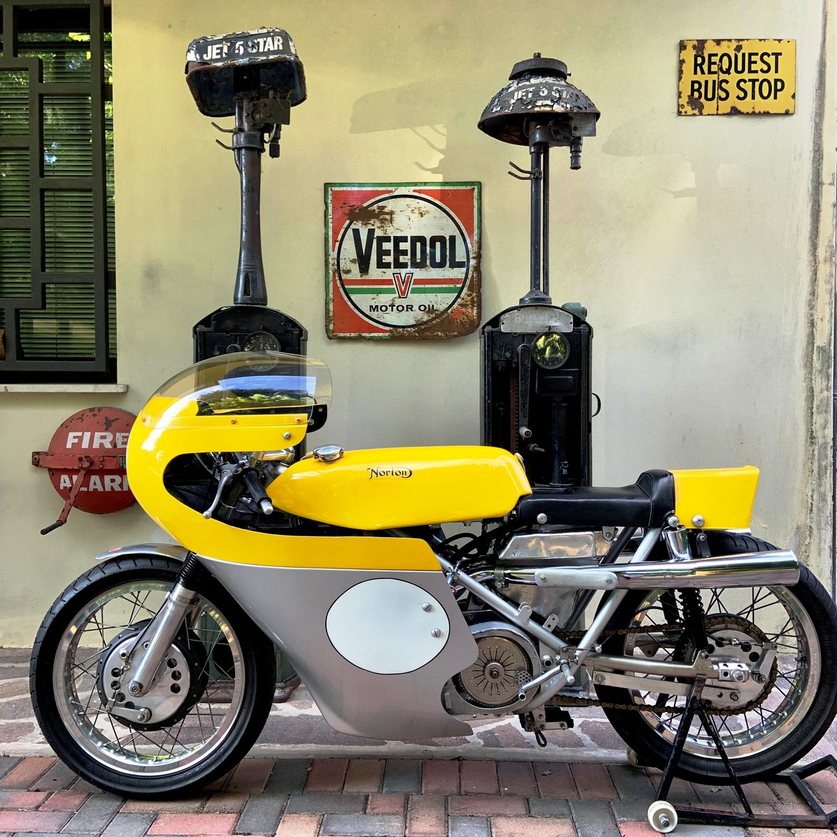 1972 Norton Seeley-Commando 750 For Sale (picture 1 of 6)