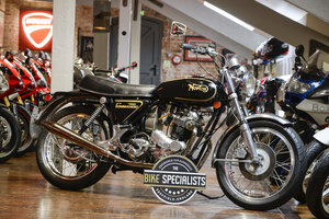 Picture of 1972 Norton Commando 750 Beautifully Restored Example For Sale