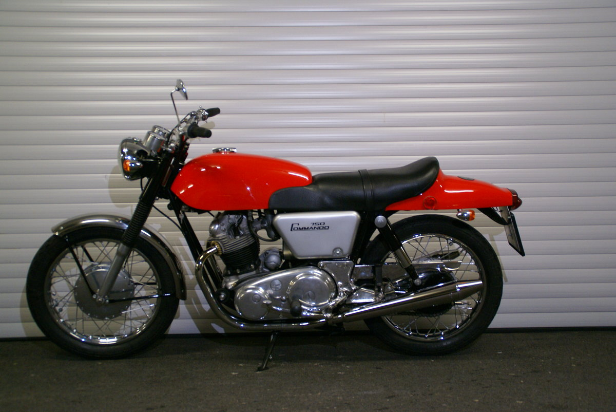 1968 Norton 750 Fastback Restored Matching Numbers For Sale (picture 2 of 6)