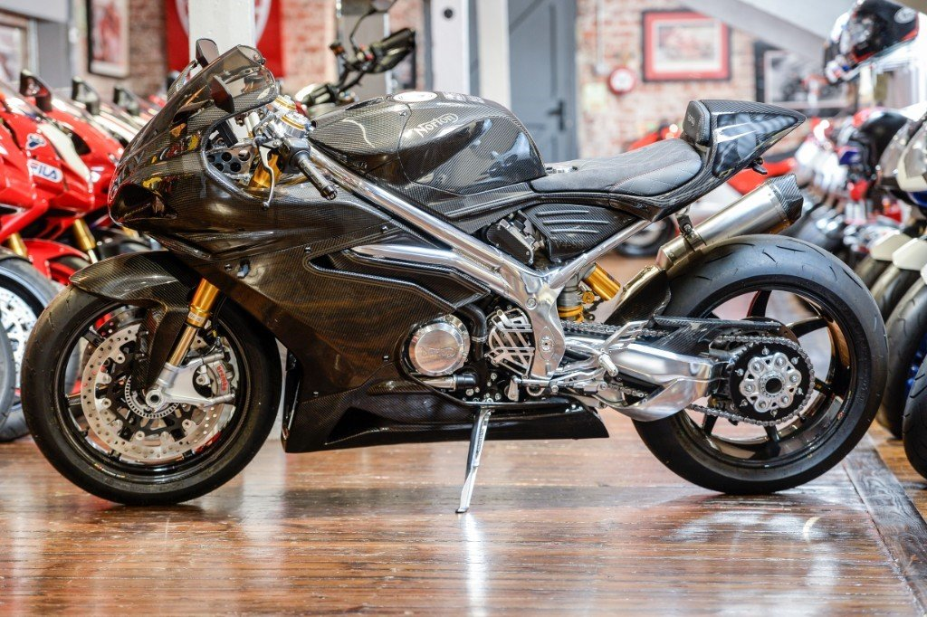 2019 Norton V4SS CARBON ONLY 42 MILES  For Sale (picture 2 of 6)