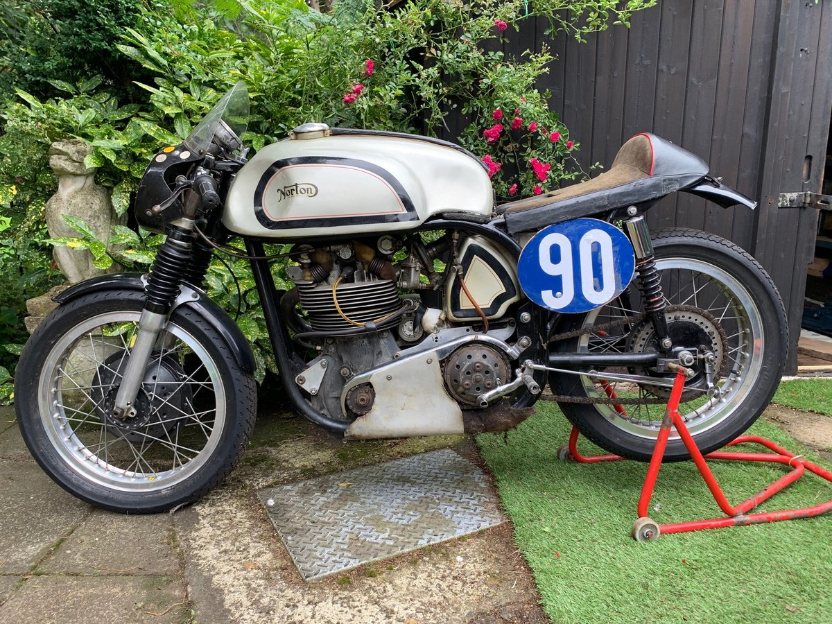 A 1956 Manx Norton 350 - 11/11/2020 SOLD by Auction (picture 2 of 6)