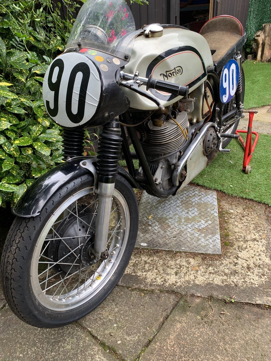 A 1956 Manx Norton 350 - 11/11/2020 SOLD by Auction (picture 3 of 6)