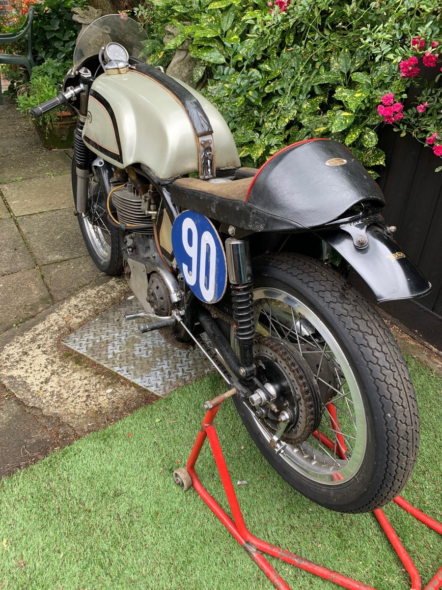 A 1956 Manx Norton 350 - 11/11/2020 SOLD by Auction (picture 4 of 6)