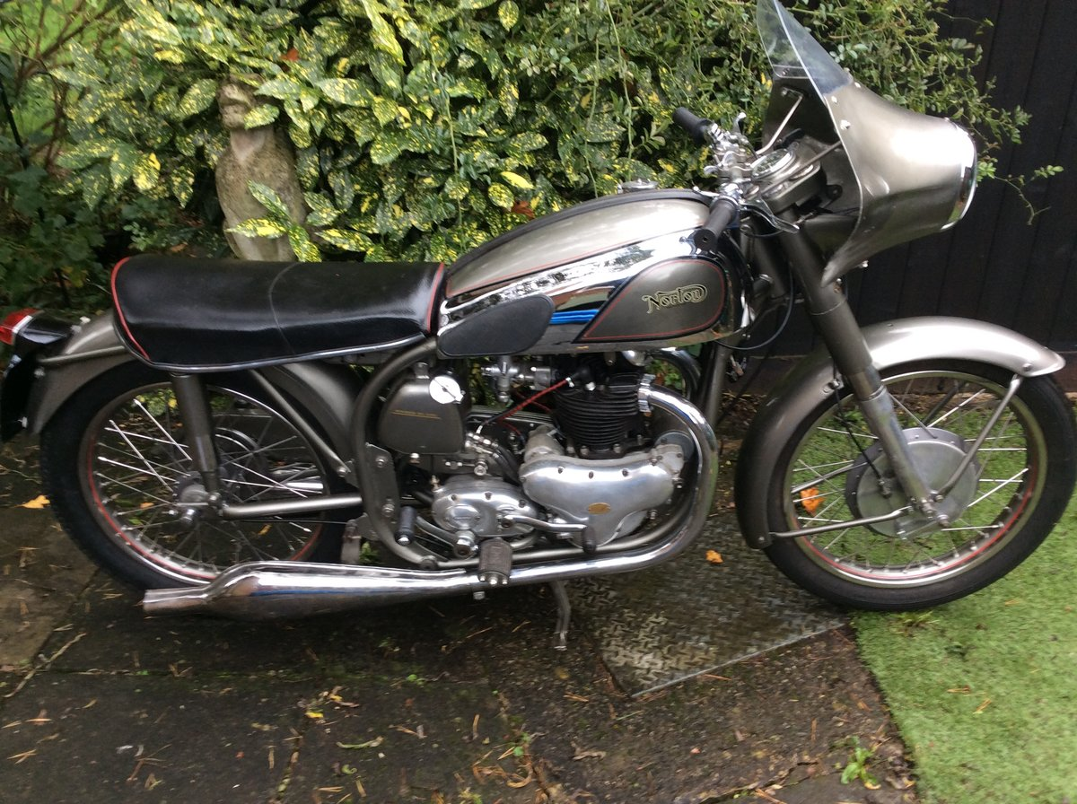 A 1954 Norton Dominator 88 - 11/11/2020 SOLD by Auction (picture 1 of 4)