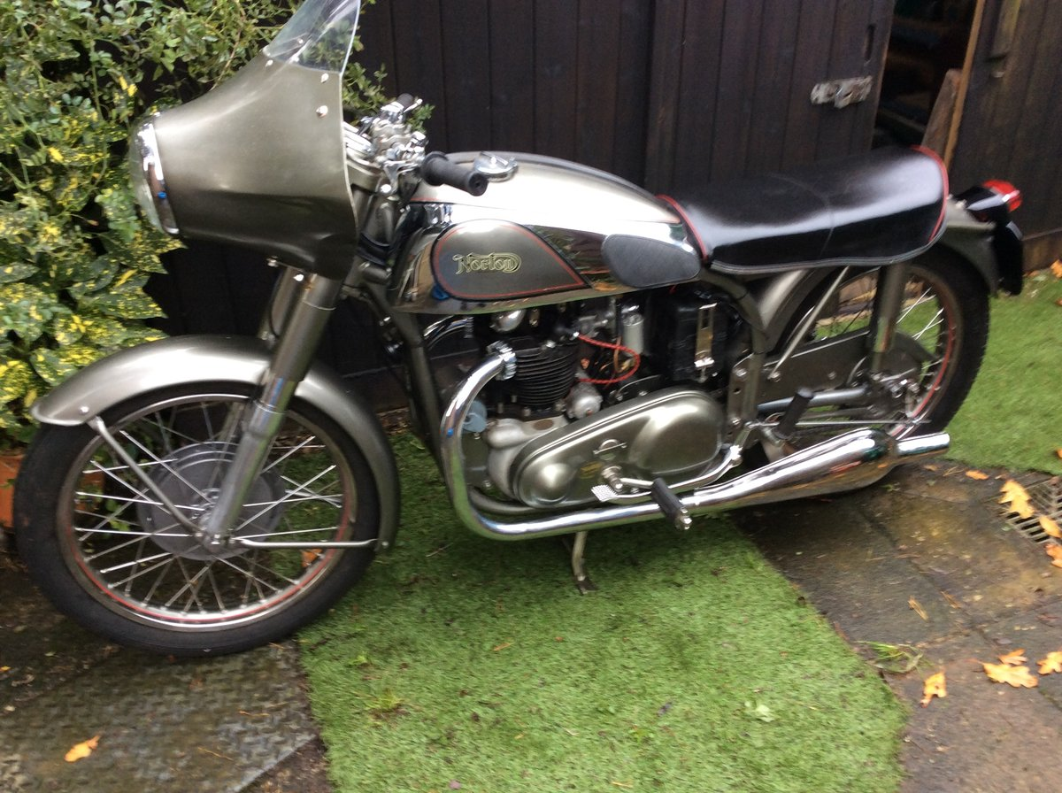 A 1954 Norton Dominator 88 - 11/11/2020 SOLD by Auction (picture 2 of 4)