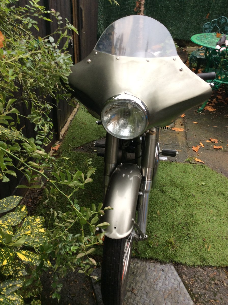 A 1954 Norton Dominator 88 - 11/11/2020 SOLD by Auction (picture 3 of 4)