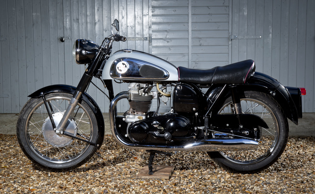 1958 Stunning Norton Dominator 99 600cc SOLD (picture 2 of 6)