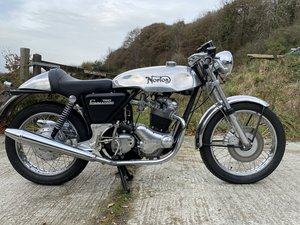 Norton 750 Commmando Cafe Racer (New)