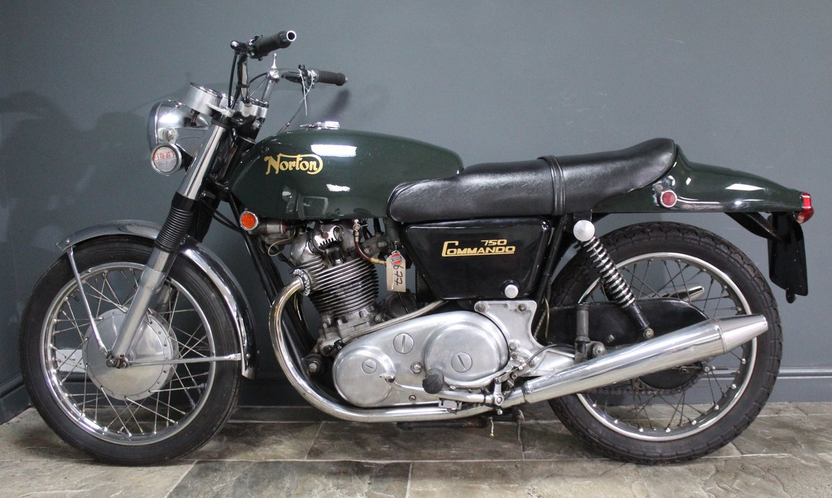 1971 Norton Commando 750 CC SOLD (picture 1 of 4)