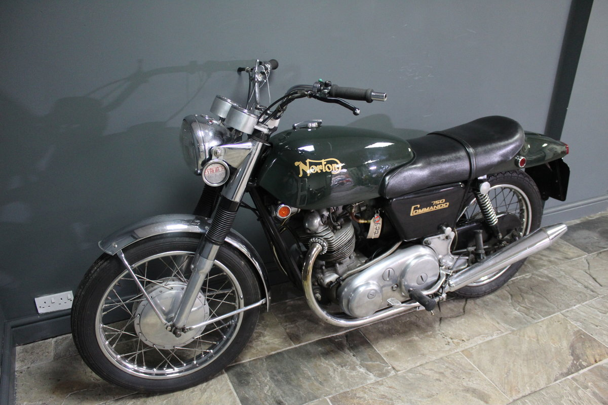 1971 Norton Commando 750 CC SOLD (picture 2 of 4)