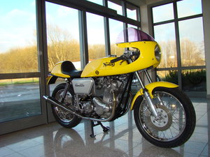 NORTON 850 COMMANDO 1974