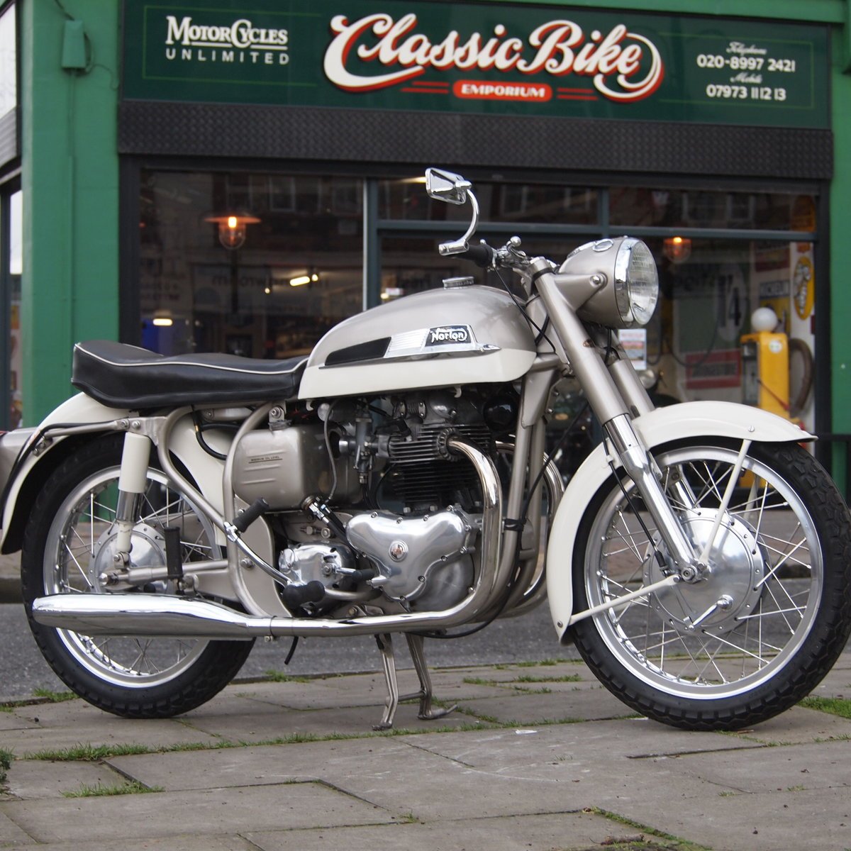 1962 Dominator 99 Classic With Matching Numbers. For Sale (picture 1 of 12)