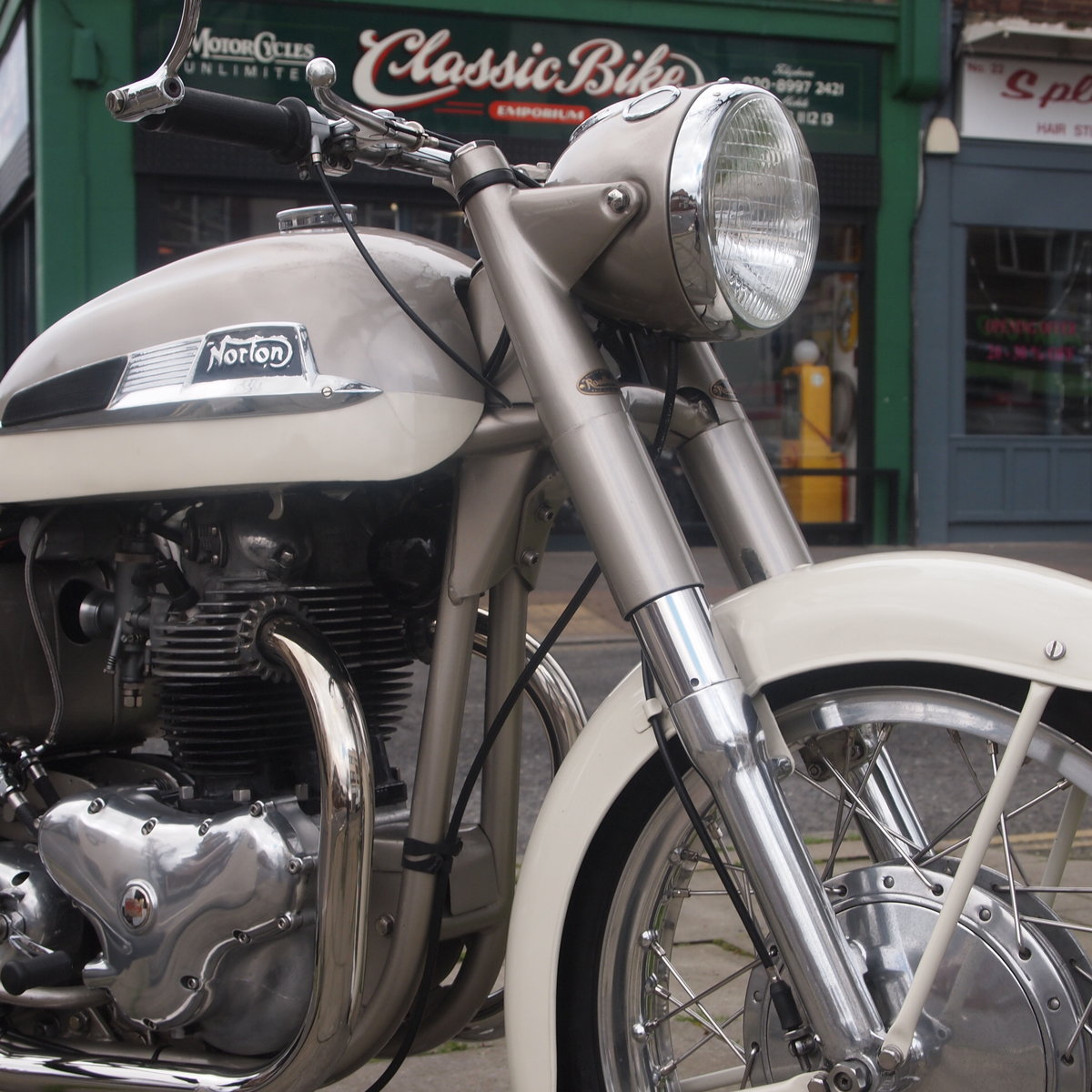 1962 Dominator 99 Classic With Matching Numbers. For Sale (picture 11 of 12)