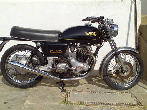 1975 NORTON COMMANDO INTERSTATE 850 MK2A SOLD (picture 1 of 5)