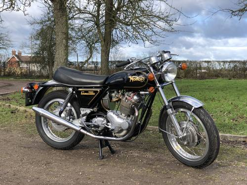 9450 Norton Commando Roadster 1971 750cc With Matching Numbers SOLD (picture 1 of 6)