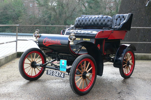 1904 Oldsmobile 7 hp Model 6-C Curved Dash Runabout For Sale (picture 1 of 6)