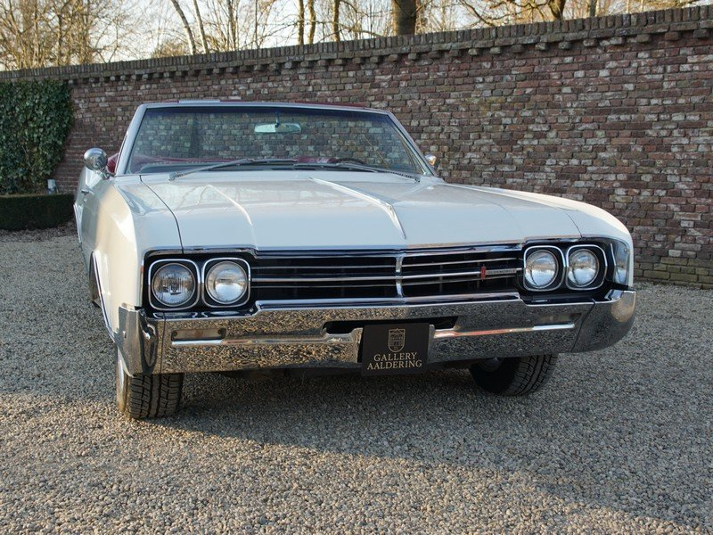 1966 Oldsmobile Dynamic 88 Convertible only 29.710 original miles For Sale (picture 5 of 6)
