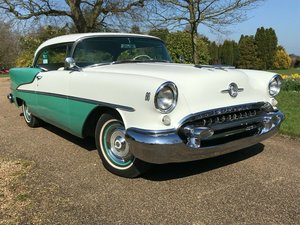 1955 Oldsmobile 88 Rocket Holiday Deluxe 2Dr