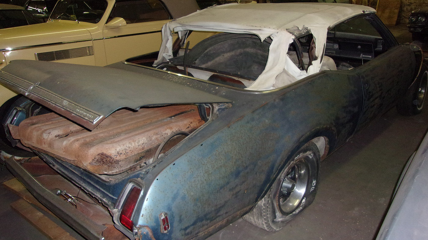 1969 Oldsmobile Cutlass S Convertible $3000 USD For Sale (picture 6 of 6)