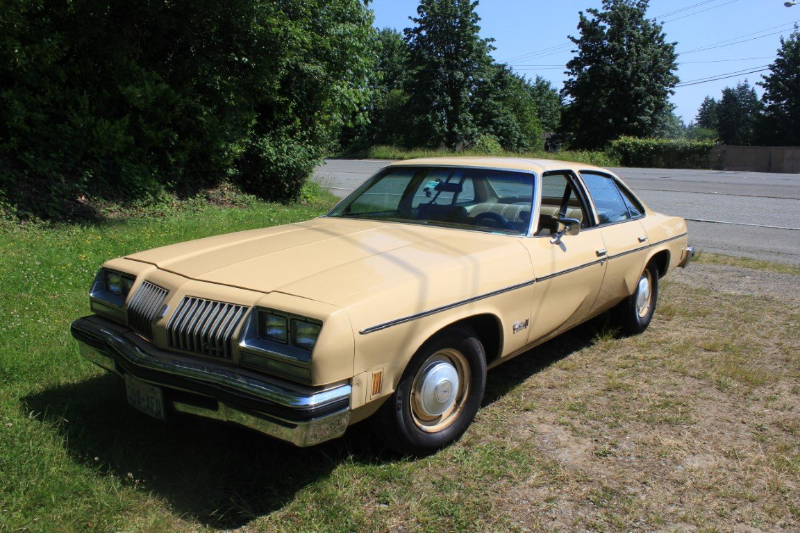1976 Oldsmobile Cutlass - Lot 921 For Sale by Auction (picture 1 of 6)