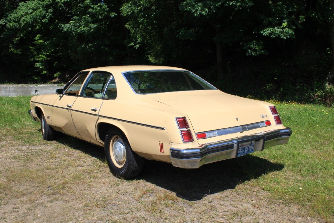 1976 Oldsmobile Cutlass - Lot 921 For Sale by Auction (picture 2 of 6)