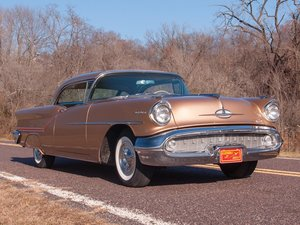 1957 Oldsmobile Starfire Factory J2  For Sale by Auction